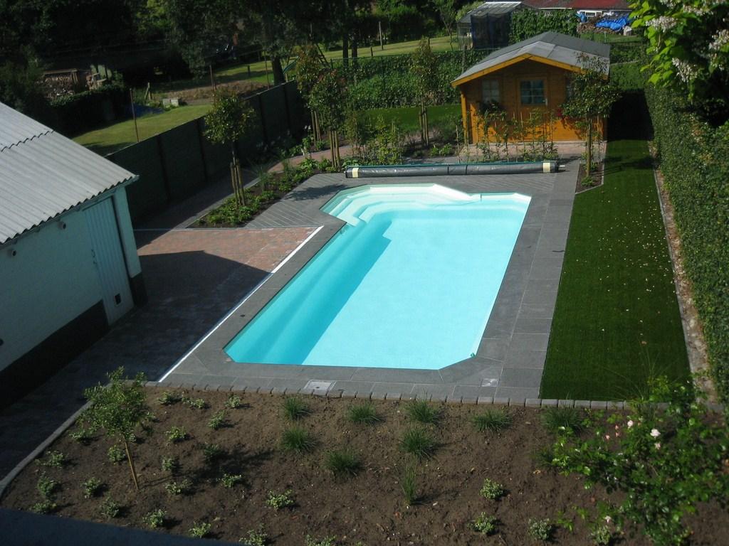 Zwembaden zwemvijvers en vijvers ook voor u for Zwembaden in tuin